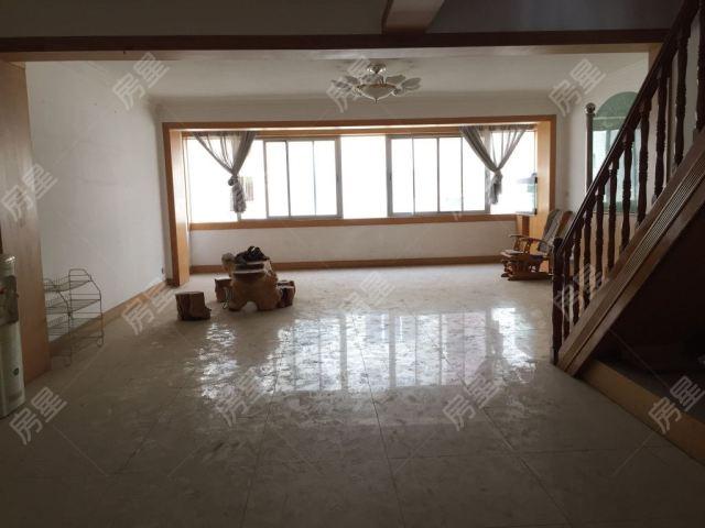 帶18平米車庫標準五室超大躍層 中等裝修 小區中心 看房方便